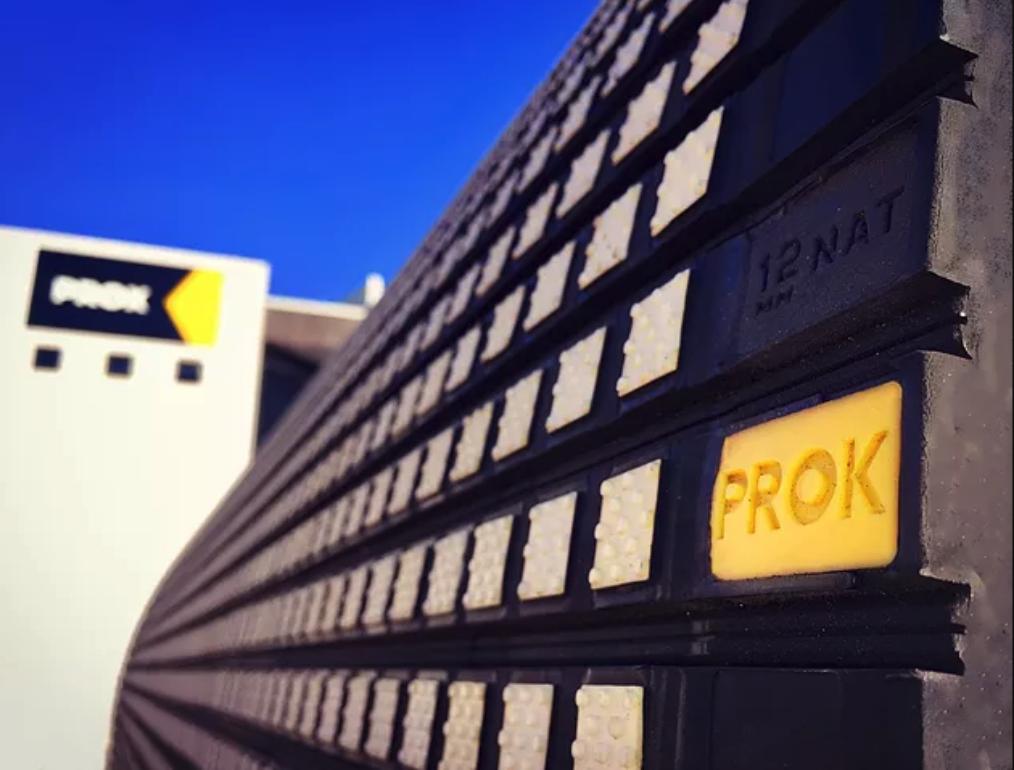 Veja de perto a correia transportadora de PROK.